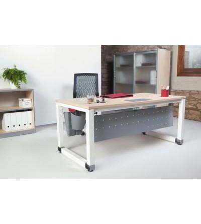 Mesa de oficina patas blancas y tablero color haya.